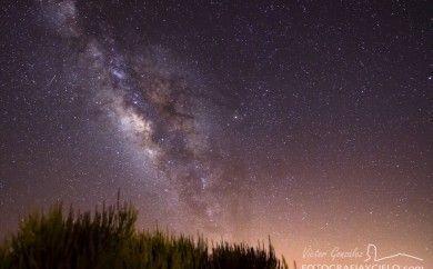 Vía Láctea y Retama en Tenerife