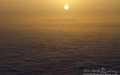Puesta de Sol sobre la isla de La Palma