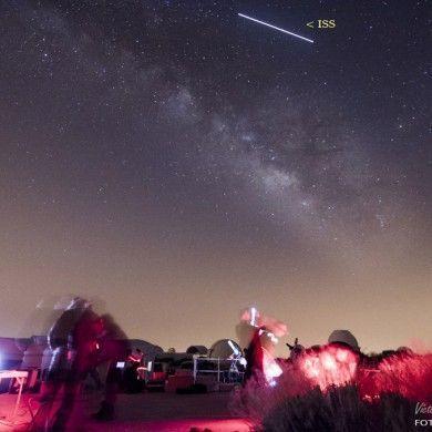 La ISS surcando el cielo