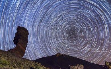 Circumpolar con el Árbol de Piedra y el Teide