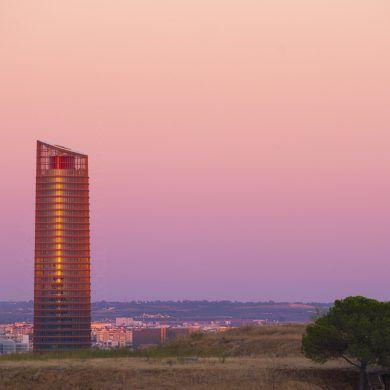 Pelli tower, Seville, twilight